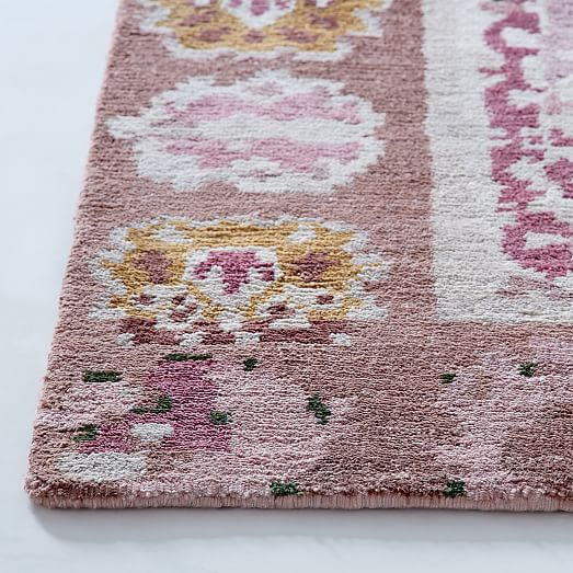 Persian-Style Rug - Pink