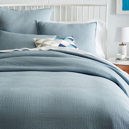 organic matelasse duvet cover west elm. Black Bedroom Furniture Sets. Home Design Ideas